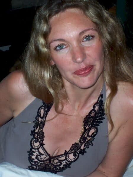 Très belle femme coquine recherche un vrai plan baise extra conjugale